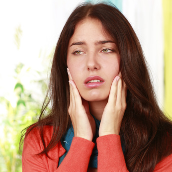 halbseitiger kopfschmerz schläfe kiefer