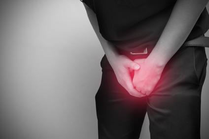 Ziehen im Hoden - Ursachen, Behandlung & Vorbeugung..